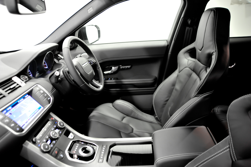 signature s new range rover evoque. Black Bedroom Furniture Sets. Home Design Ideas