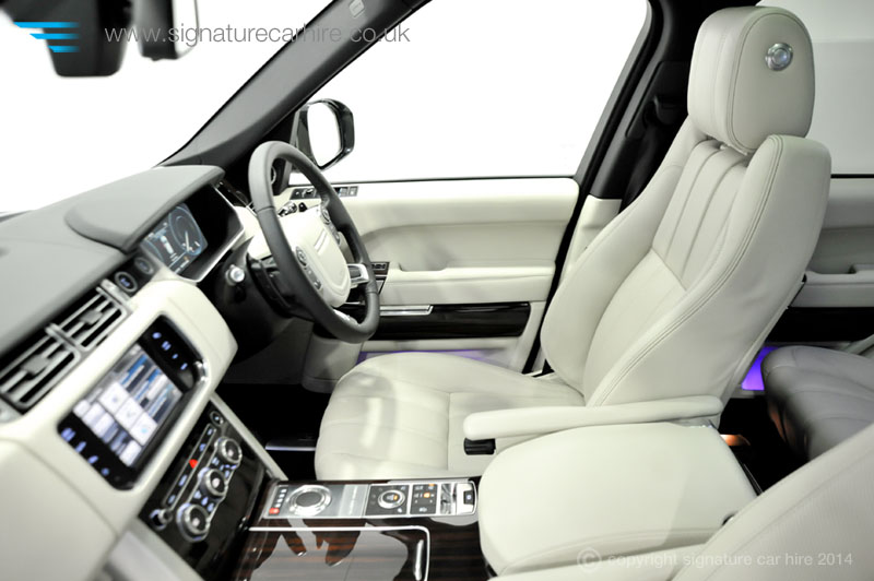 Range Rover Interior >> The Range Rover Vogue and Range Rover Sport: pushing the boundaries of 4×4 luxury