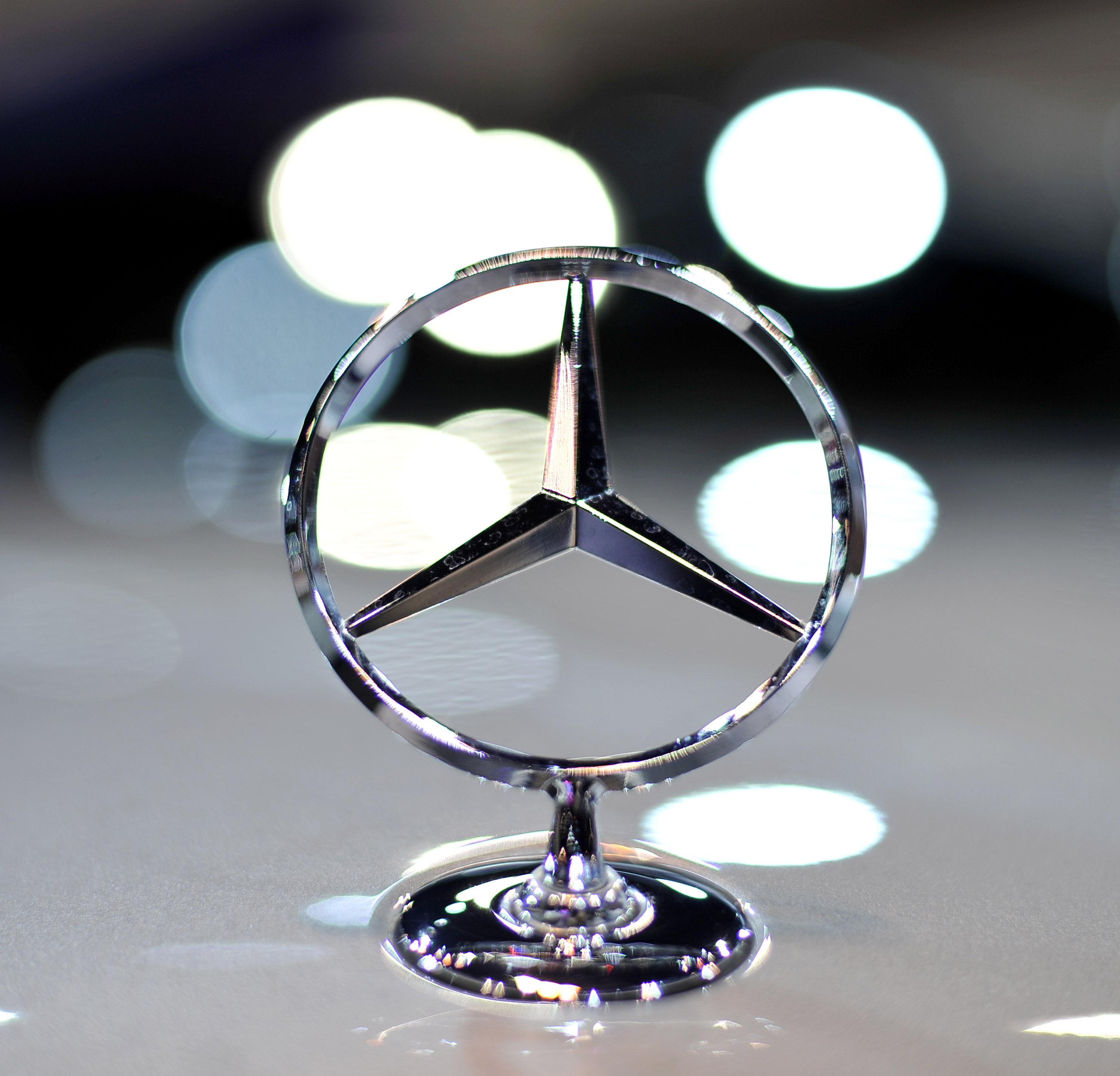The history of mercedes for Mercedes benz company history