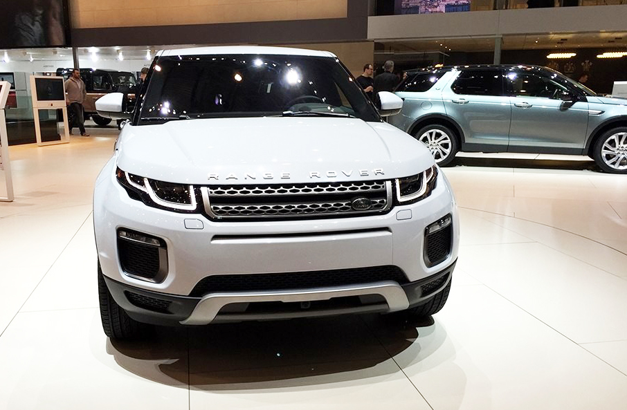 2015 land rover evoque front at the 2015 geneva motor show. Black Bedroom Furniture Sets. Home Design Ideas