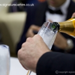 signature-champagne-pouring