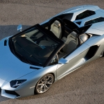 lamborghini-aventador-roadster-top-view