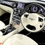 signature-car-hire-bentley-mulsanne-cock-pit