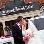 wedding-car-hire_couple_kiss
