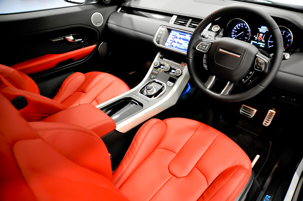 top gear gives top vote for range rover evoque. Black Bedroom Furniture Sets. Home Design Ideas