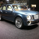 bentley_suv_front_side