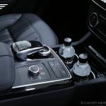 mercedes-benz-GLE-250d-sport-car-consol