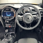 mini-hatchback-interior