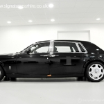 rolls-royce-phantom-black-side