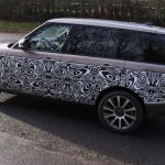 new-range-rover-signature-car-hire-4