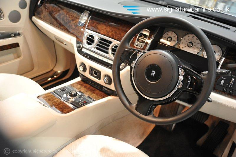 The heritage of rolls royce for Rolls royce ghost interior