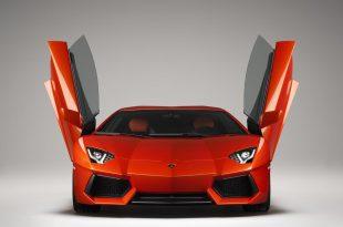 Lamborghini-Aventador-LP700-4-front