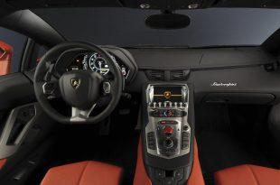 Lamborghini-Aventador-LP700-4-interior-3