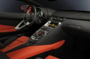Lamborghini-Aventador-LP700-4-interior-4
