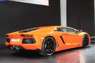 Lamborghini-Aventador-LP700-4-live-from-Geneva-11