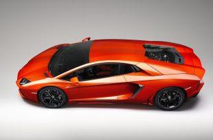 Lamborghini-Aventador-LP700-4-side-profile