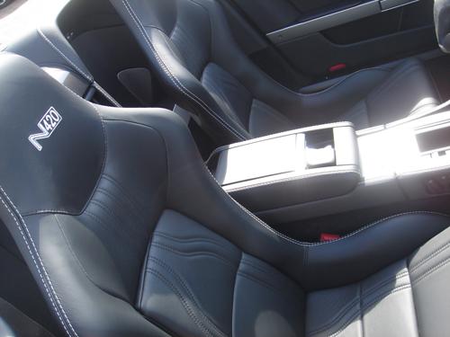 aston-roadster-n420-seats