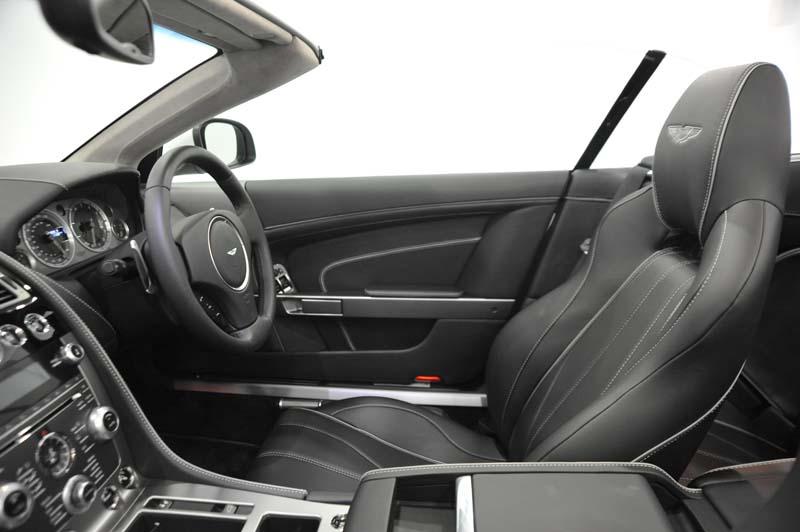 aston-martin-virage-volante-front-seats