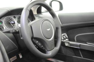 aston-martin-virage-volante-front-stearwheel
