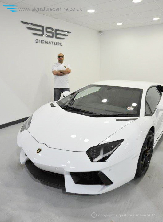 signature-car-hire-founder-dee-lamborghini-aventador