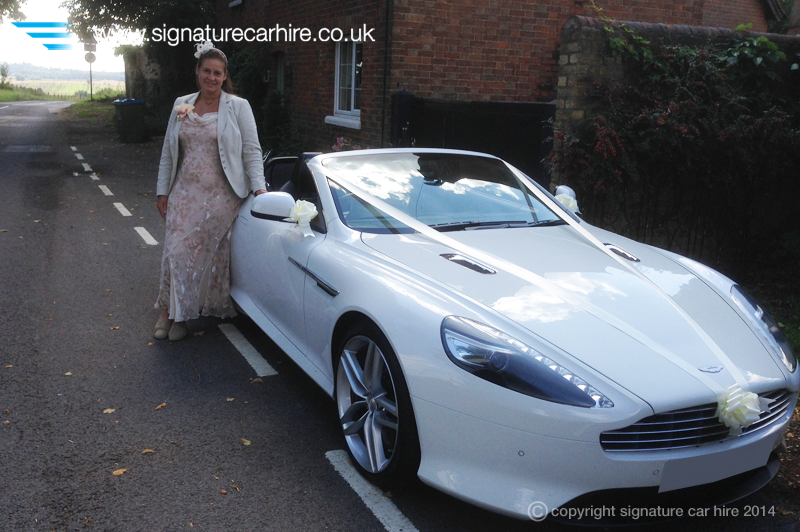 signature-wedding-car-hire-aston-martin-virage-volante-bride