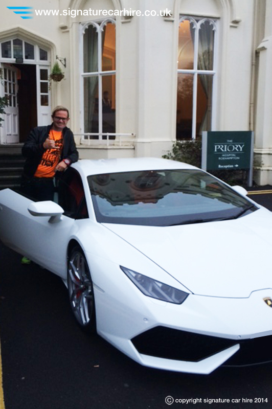 signature-car-hire-huracan-hire