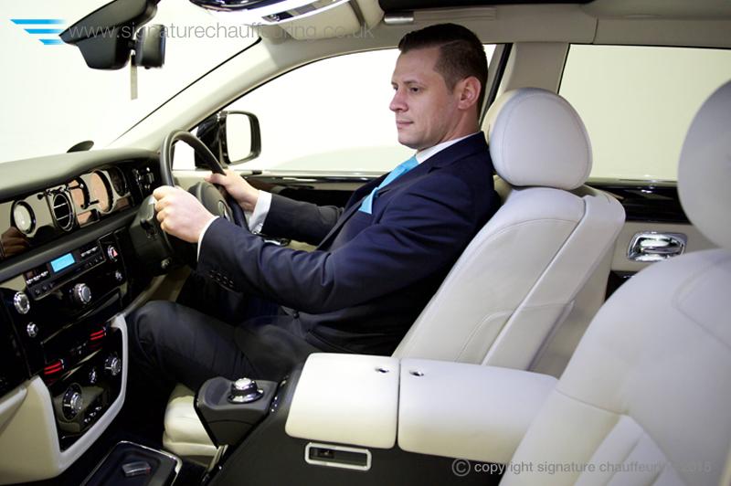 signature-chauffeuring-chauffeur-rolls-royce-phantom