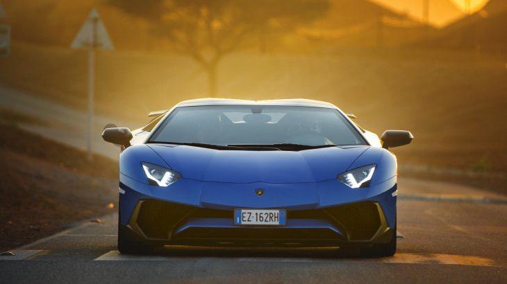 Lamborghini-Aventador-SV-Front