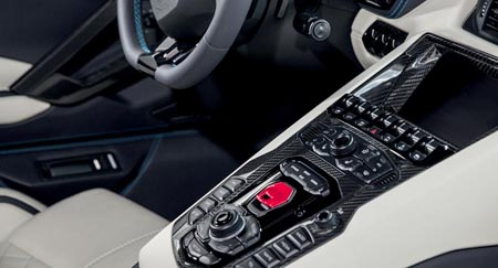 aventador-s-roadster-interior