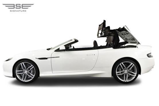 Aston Martin DB9 Volante Roof Folding View