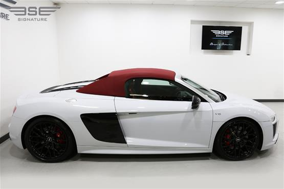 White Audi R8 V10 Spyder Right View