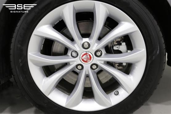 Jaguar XF Alloy Wheel