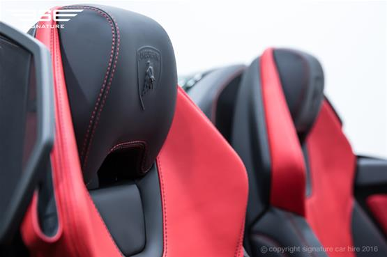 Lamborghini Huracan Spyder Logo on Headrest