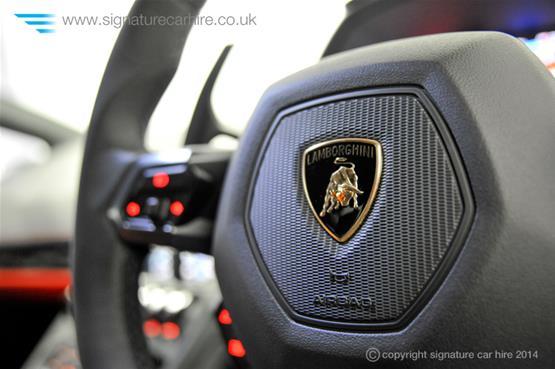 Lamborghini Huracan LP 610-4 Logo on Steering Wheel