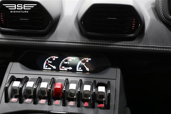 Lamborghini Huracan Avio Buttons