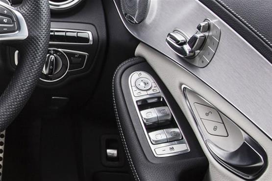 Mercedes-C300-7