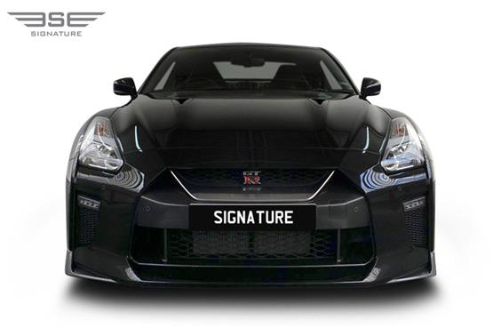 Nissan-GTR-front view