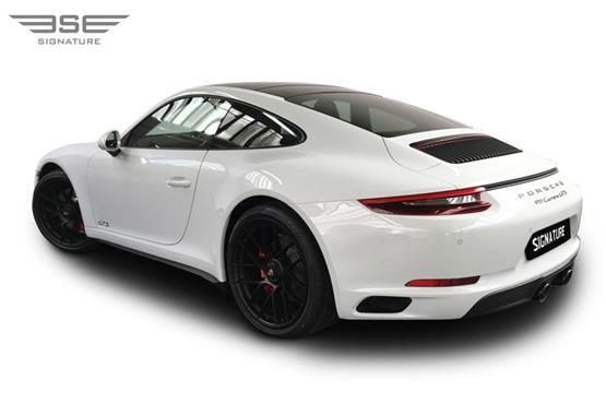 Porsche-911-GTS-05