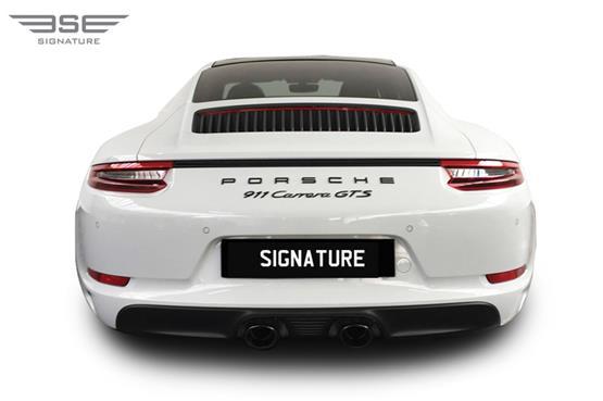 Porsche-911-GTS-06