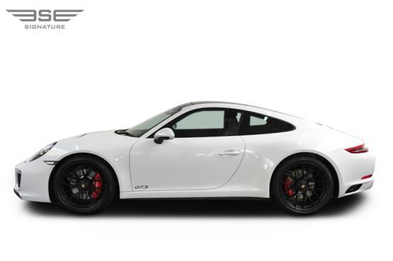Porsche-911-GTS-09