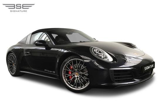 Porsche-911-Targa-4S-right front view