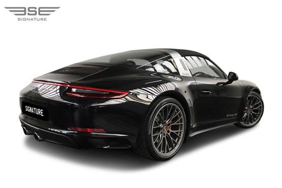 Porsche-911-Targa-4S-right rear view