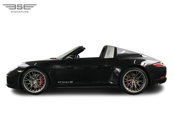 Porsche-911-Targa-4S-roof down view