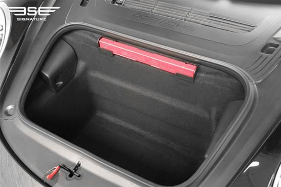 Porsche-911-Targa-4S-boot space