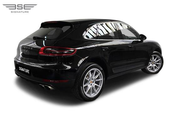 Porsche Macan S Right Rear View