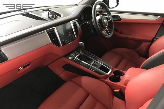 Porsche Macan S Front Seats