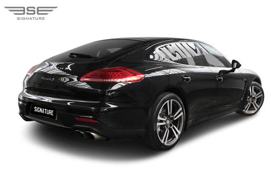 Porsche Panamera S Rear Right View