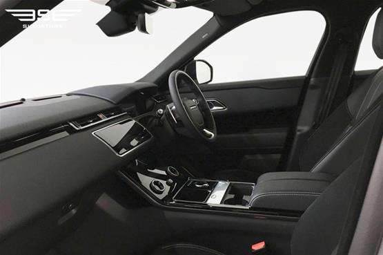 Range-Rover-velar-12