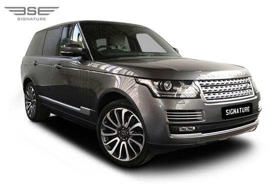 Range Rover Vogue Autobiography 4.4L Front Right View