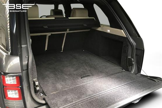 Range Rover Vogue Autobiography 4.4L Boot Space